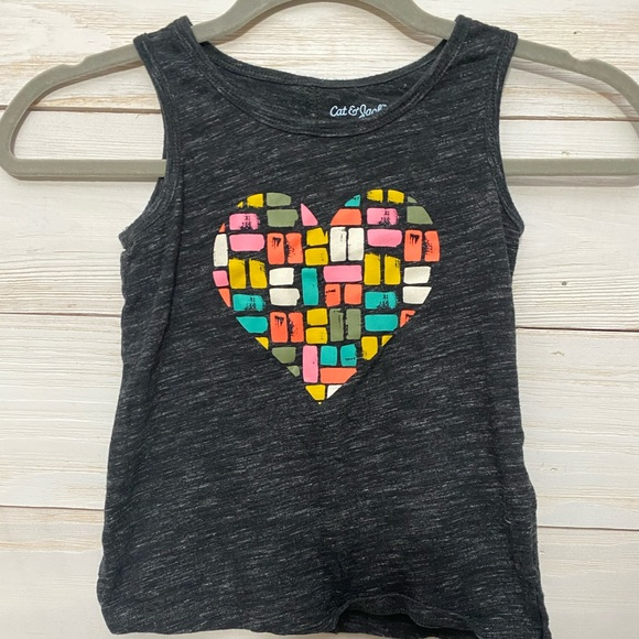 Cat & jack XS girls graphic heart tank top